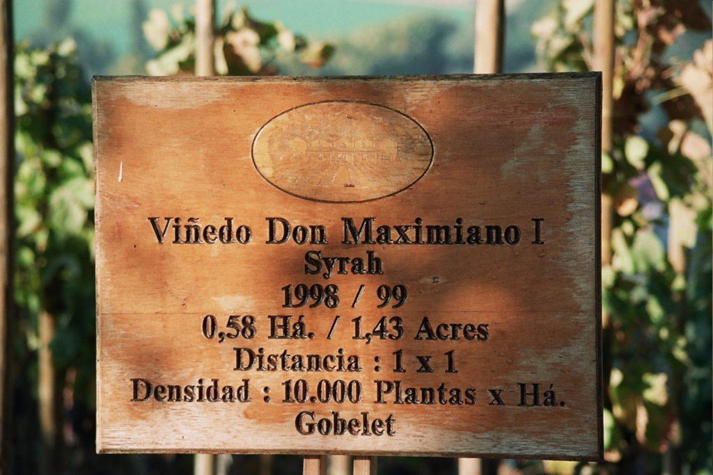 don-maximiano-skilt